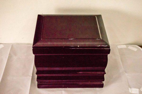 incinerare urna lemn rosiatic INHUMARE/INCINERARE