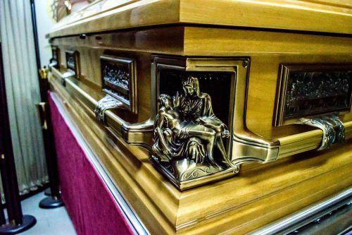 magazinele de pompe funebre, magazin de pompe funebre