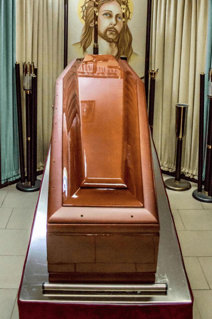 Sicriu 17 - Cosciug - Servicii funerare Anthony