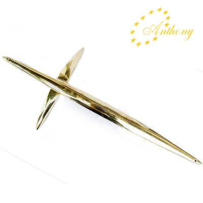 inchiriere crucifix auriu pentru sicriu Anthony